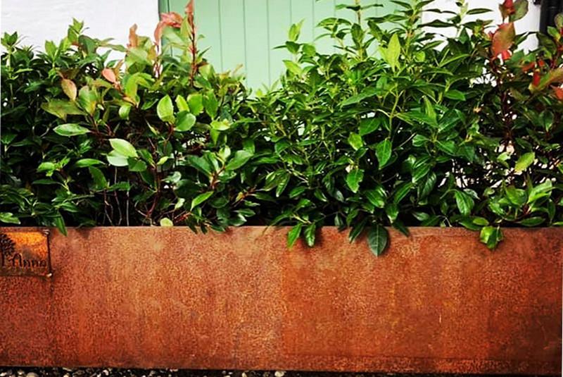 Cortenstål krukor, rabattkanter, odlingslådor, eldstäder, trädringar, m.m. för din trädgård