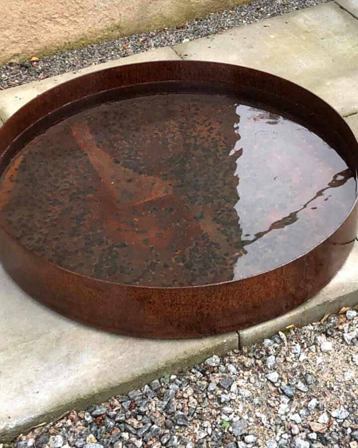 Vattenskålar i Corten för trädgården